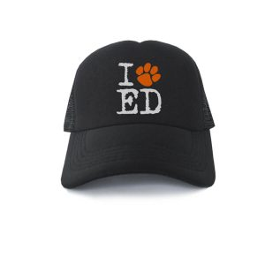 Trucker-Ed-Sheeran-Dog-Paw-01
